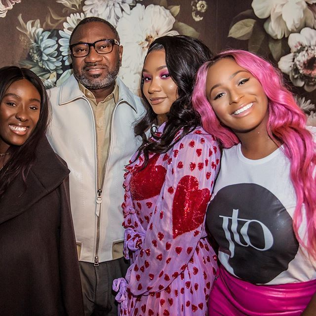 Otedola flaunts his beautiful daughters | www.e-nigeriang.com