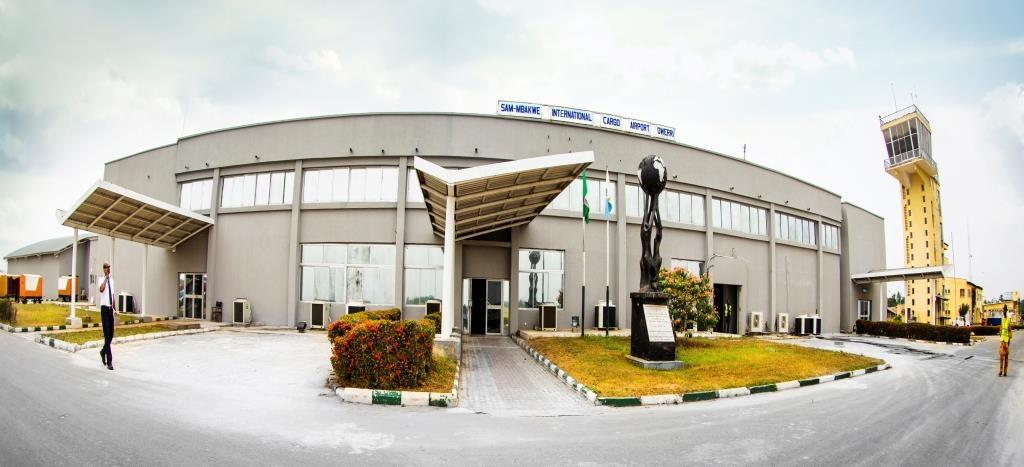 Passengers flee as fire razes section of Imo airport | www.e-nigeriang.com